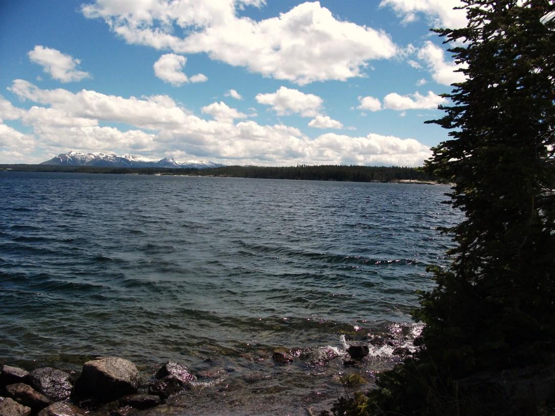 Yellowstone Lake (2)
