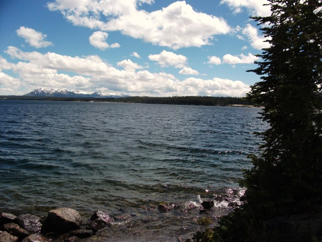 Yellowstone Lake (2)