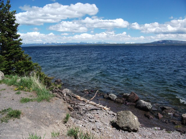 Yellowstone Lake (3)